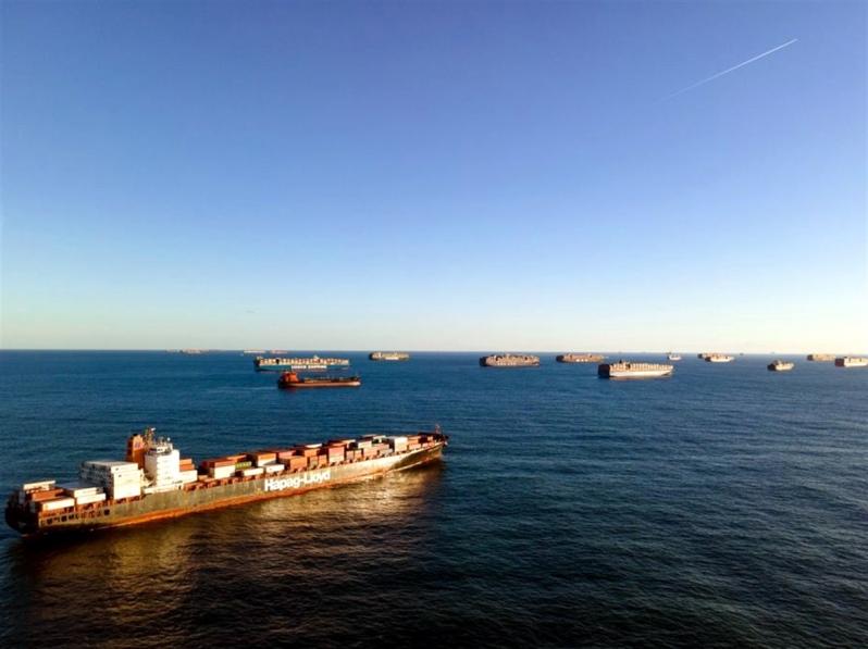 Alianzas navieras bajo el escrutinio de la FMC, ante el abarrotamiento de los puertos de EE.UU.