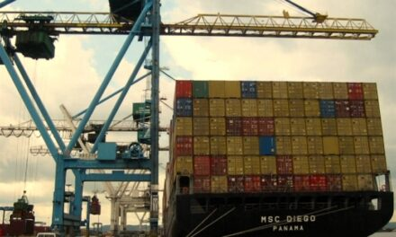 Líneas navieras se desesperan en busca de capacidad extra para atender la demanda