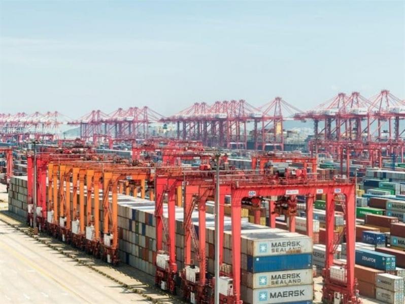 Covid-19: Los pequeños cambios que causaron grandes efectos en el transporte marítimo de contenedores