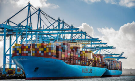 Maersk cree que la crisis mundial del transporte marítimo se calmará a mediados de año