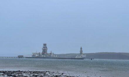 El buque de perforación Valaris suelta  las amarras frente a Escocia