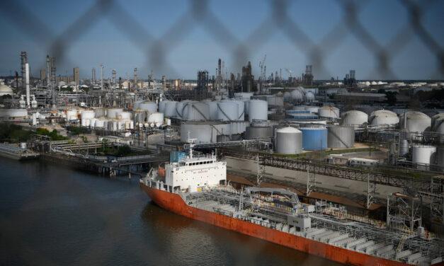 El efecto de la demanda de petróleo afecta a los petroleros