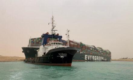 La tripulación india del buque encallado en el Canal de Suez recibe el reconocimiento por su duro trabajo y su profesionalidad