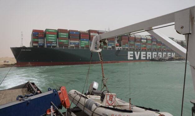Canal de Suez: otro duro golpe a la cadena de suministro global