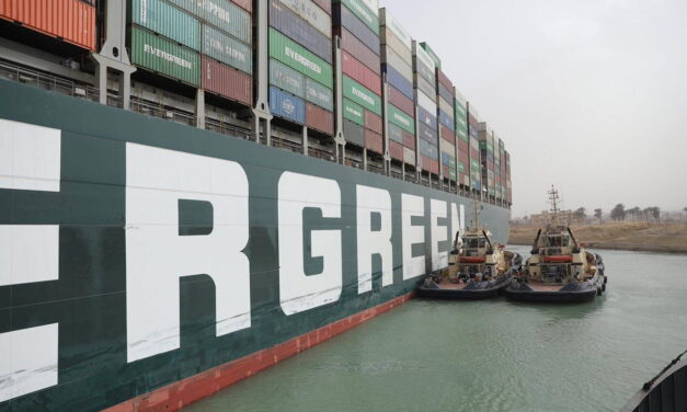 El incidente del Canal de Suez   Siempre demostró la importancia de los trabajadores de remolque y de los remolcadores