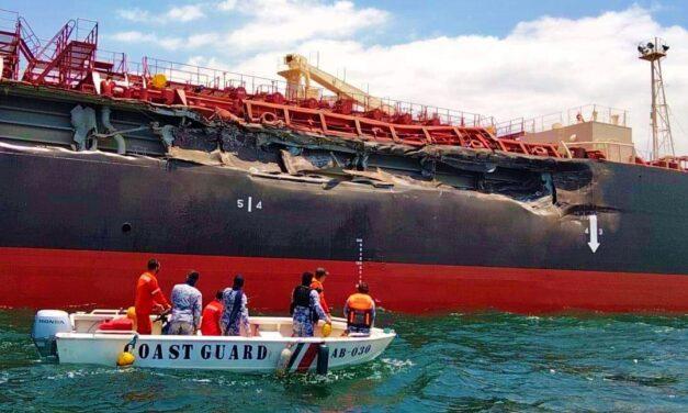 Un granelero y un petrolero dañados en un abordaje en la bahía de Manila