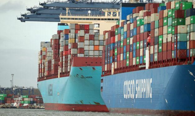 Las líneas de contenedores controlan firmemente el mercado, que sigue al rojo vivo