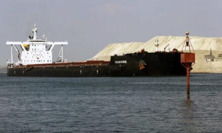 El Canal de Suez declara que está cerca de resolver el retraso de los buques
