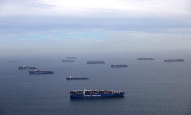 Suez Ripples sube las tarifas de todos los buques portacontenedores