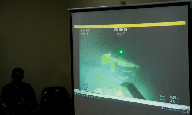 El submarino indonesio desaparecido se encuentra averiado en el mar de Bali
