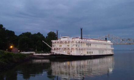 Los pequeños cruceros prosperan, no sólo sobreviven, en el Mississippi