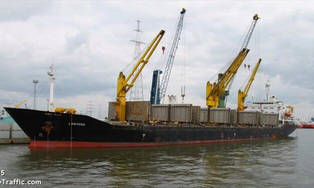 Barco iraní atacado por una mina en el Mar Rojo – Informes