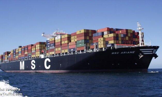 «Combustible defectuoso» y en consecuencia un portacontenedores de MSC se avería en su ruta hacia Los Ángeles