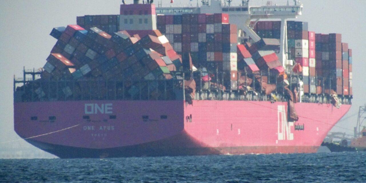 «ONE Apus» descarga su carga en Long Beach tras la épica pérdida de carga del año pasado