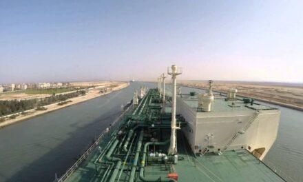 Dos petroleros encallados en el Canal de Suez, reflotados con éxito: GAC