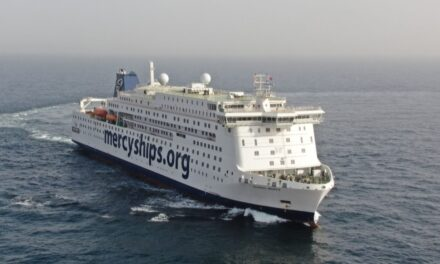 El mayor buque hospital civil del mundo supera las pruebas de mar