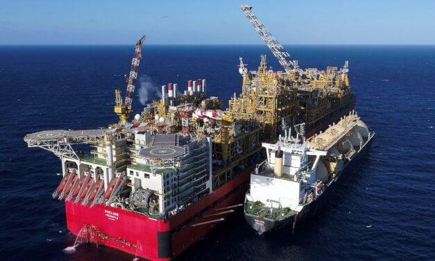 China prohíbe algunos cargamentos de GNL australiano