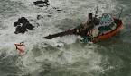 Ver: Barcazas a la deriva a lo largo de la costa de Mumbai mientras el ciclón Tauktae golpea la India