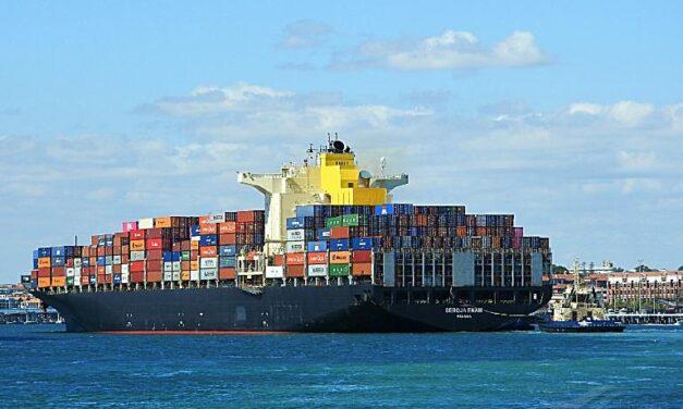 Video: El buque «Durban» provoca un accidente en el puerto de Kaohsiung