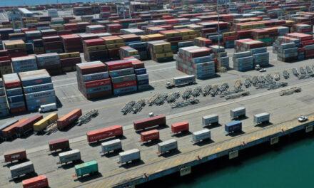 El puerto de Los Ángeles procesa 10 millones de TEUs, un nuevo récord en el hemisferio occidental