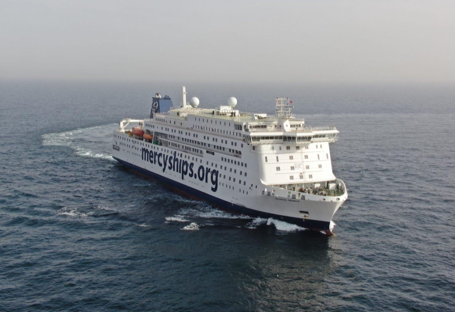 Entrega del buque hospital civil más grande del mundo a «Mercy Ships»
