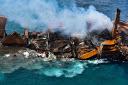 NOTICIA:  X-Press Pearl se hunde frente a Sri Lanka y el país se enfrenta a un gran desastre medioambiental [Fotos y vídeos]