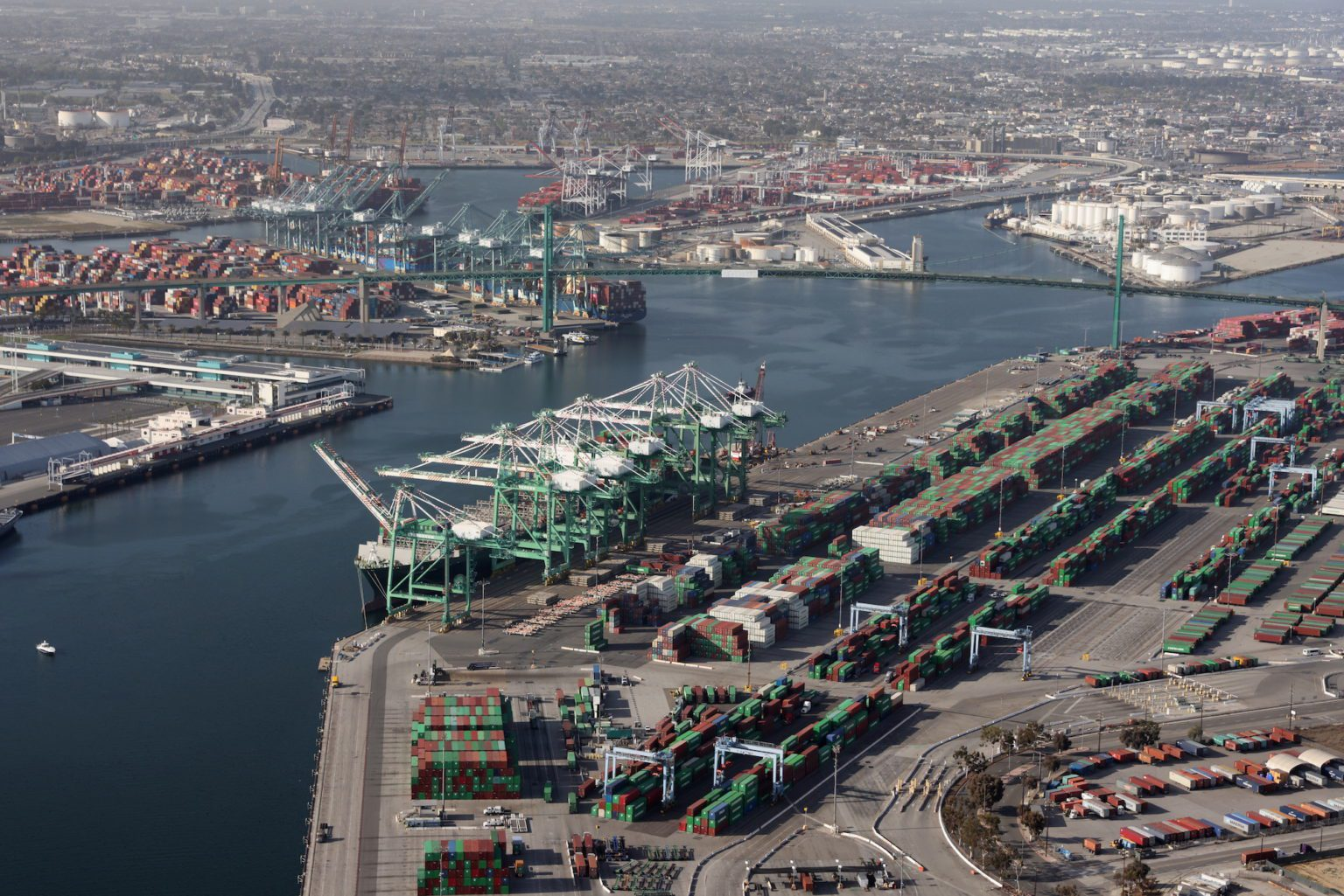 Las importaciones al por menor del país siguen en auge a pesar de los problemas de la cadena de suministro