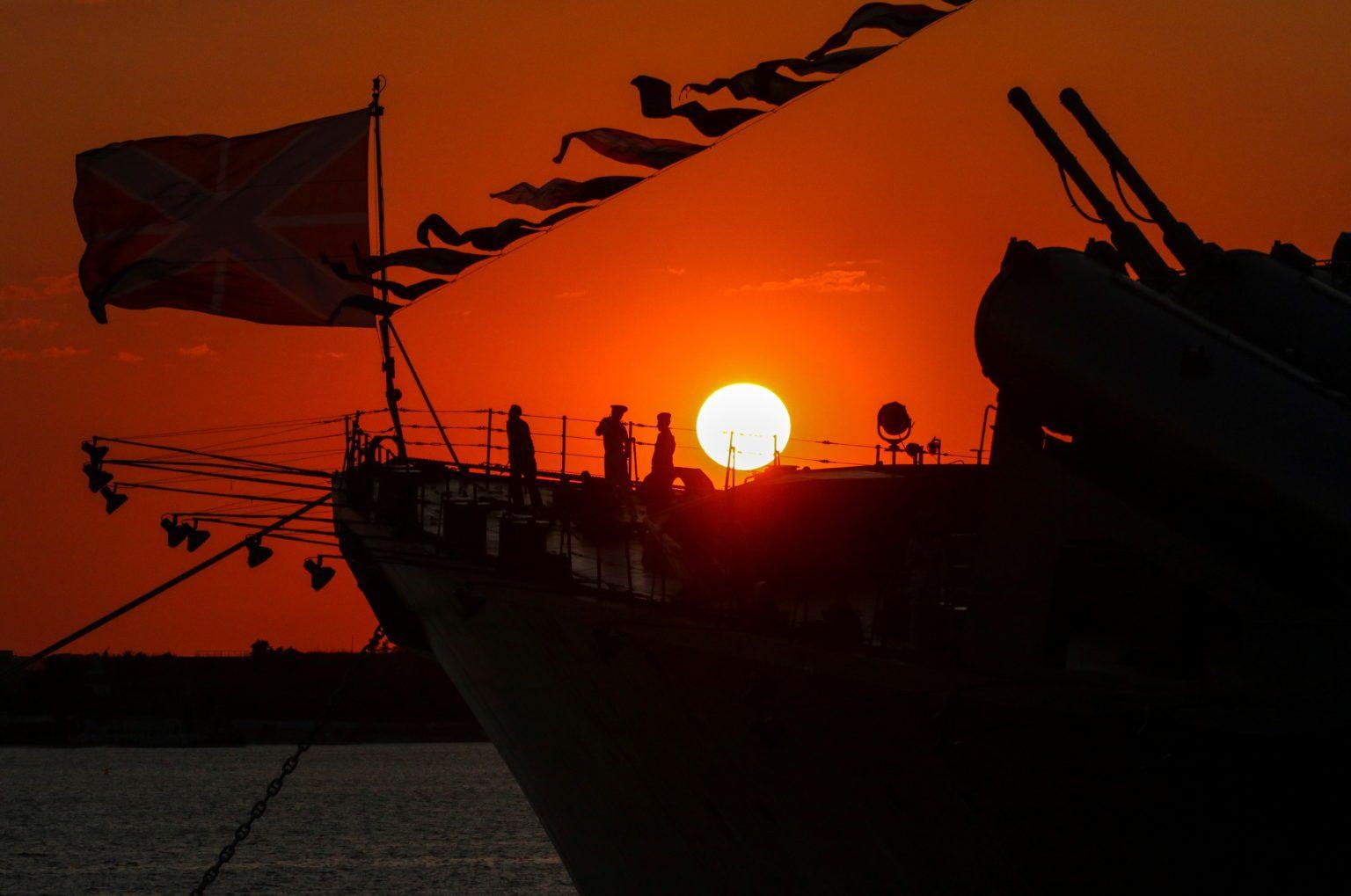 Putin autoriza  ataques a la «Marina Real»