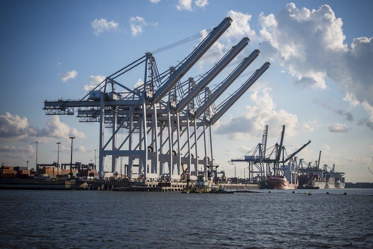 Las terminales de contenedores del puerto de Houston cierran por un «fallo de hardware»