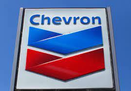 Chevron hace cambios de liderazgo en su estrategia para reducir las emisiones de carbono