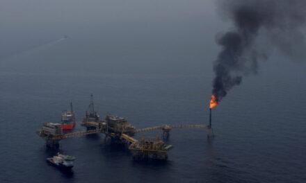 Pemex utiliza nitrógeno con la esperanza de reanudar la producción de petróleo tras un grave incendio