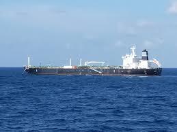 La tripulación de un petrolero es detenida por robar miles de barriles de crudo