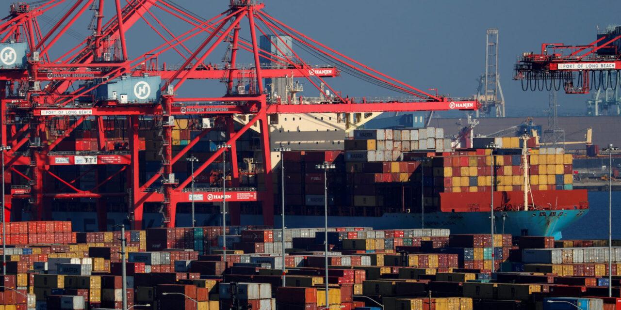 Maersk ofrece una sombría actualización de sus operaciones en medio de un caos sin precedentes en la cadena de suministro