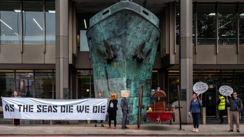 NSFW – «Ocean Rebellion» ataca a la OMI otra vez, y otra vez, y otra vez