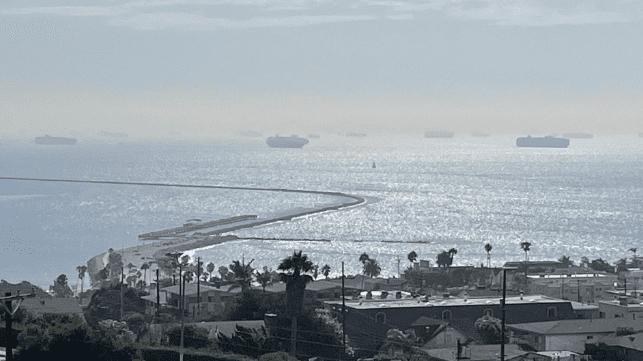 La bahía de San Pedro bate cuatro nuevos récords en un día con la llegada de más buques