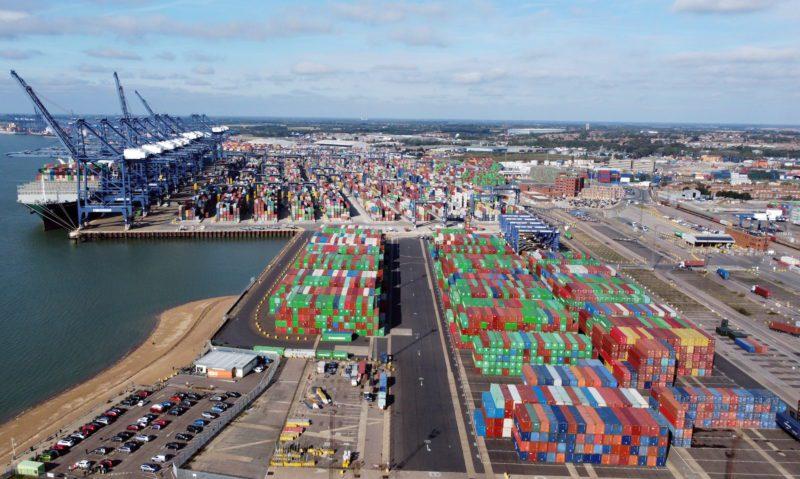 La congestión de Felixstowe podría suponer 2.000 millones de dólares en importaciones británicas varadas, según un informe