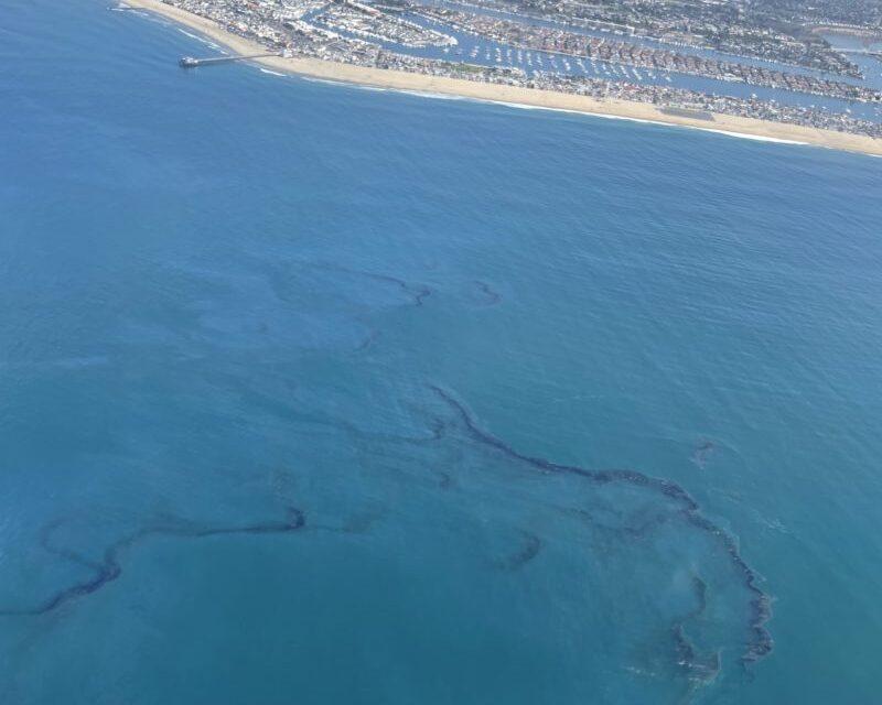 Las autoridades investigan si el ancla de un Buque puede haber provocado una fuga en un oleoducto en el sur de California