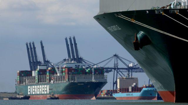 La crisis del transporte marítimo «durará hasta el próximo verano», ya que los portacontenedores hacen cola en el Canal de la Mancha para llegar a los puertos europeos