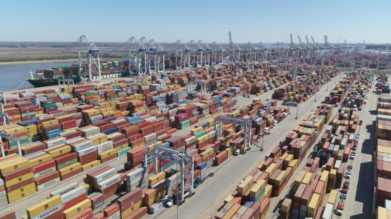 Los puertos de la costa este de EE.UU. se ven afectados por la congestión